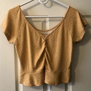AEO hello v neck crop top size Large